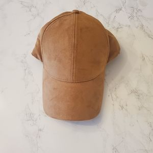 Wilfred free suede hat